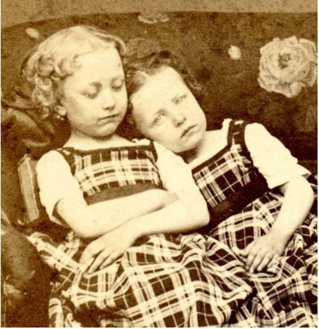 Girl with her dead sister